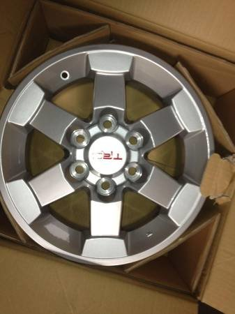 FS Tacoma/FJ Cruiser TRD Wheels Set of 4-00s0s_chajkb1o6f9_600x450.jpg