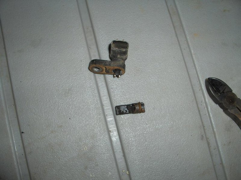 How Easy/Hard to replace ABS sensor on 96 Camry-041.jpg
