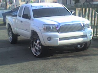 4 sale : 22 in rims and tires-07-16-06_1835.jpg