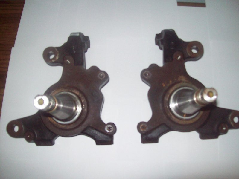 For Sale: Stock 2001 5-Lug Spindles and Shackles-100_0313.jpg