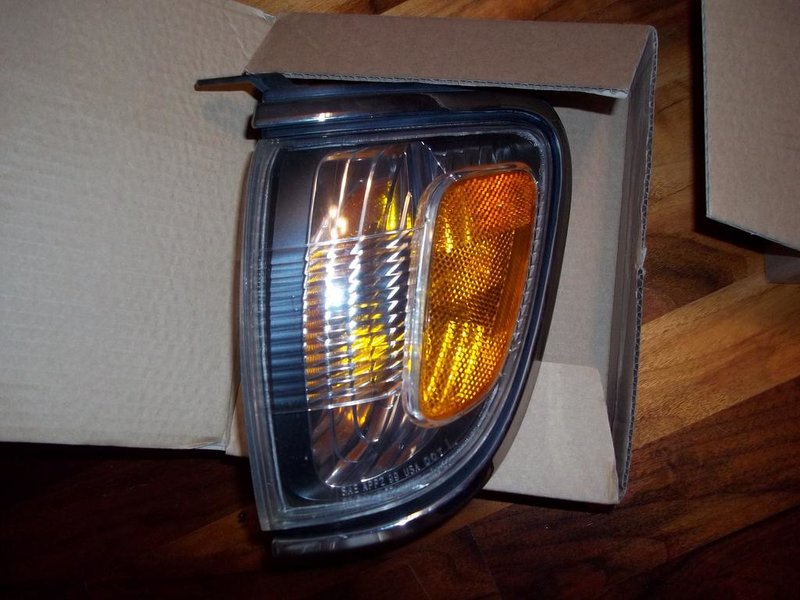 01 headlights, corner lights, & turn signal-100_1264.jpg
