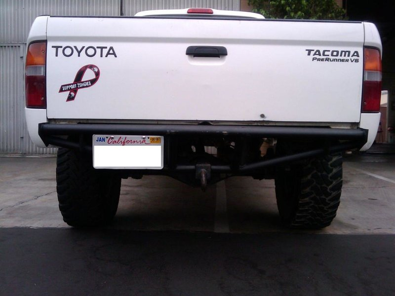 Advice on blacking out the tacoma emblems?-2009-09-26-08.381.jpg