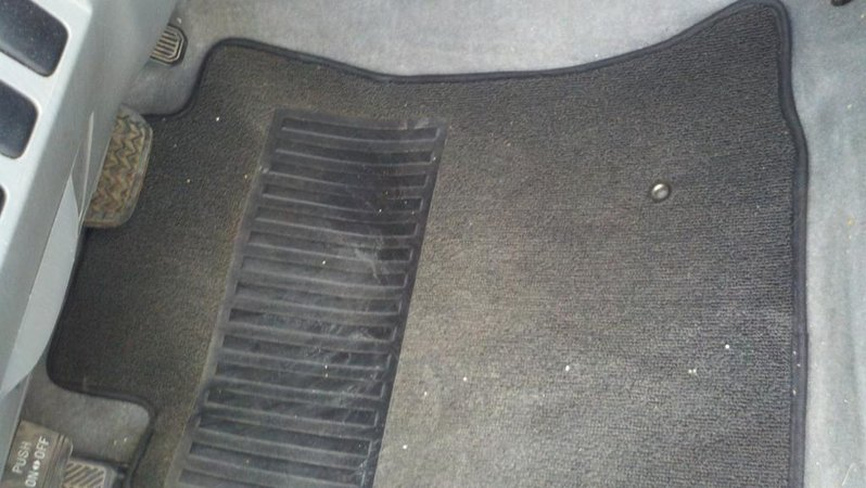 FS: TRD Off Road Mats (carpet)-2010-11-15_11-54-47_452.jpg