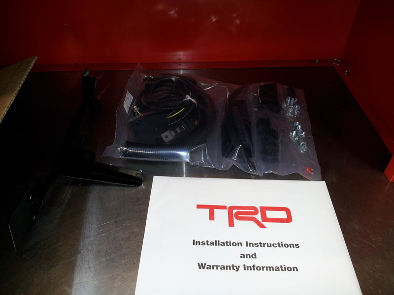 TRD Supercharger install today!Is there a stock looking Pulley?-20120813_072629.jpg