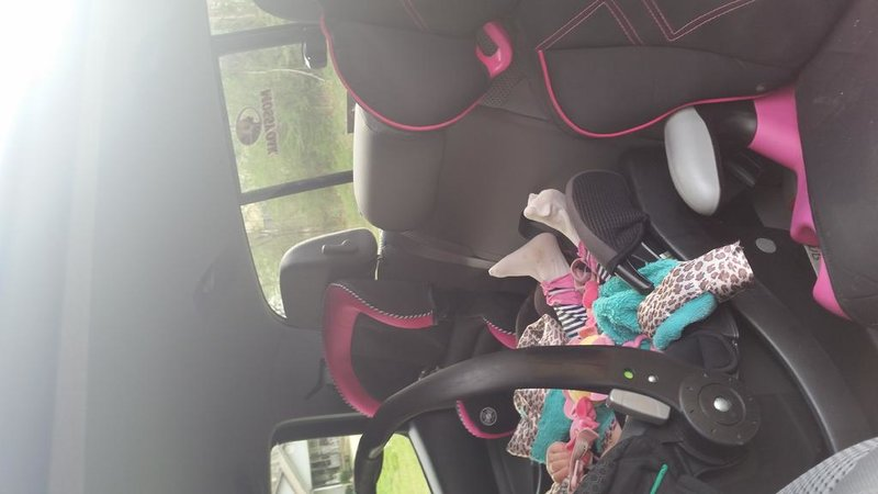 3 Car Seats in the back seat of a DC-20150327_160109.jpg