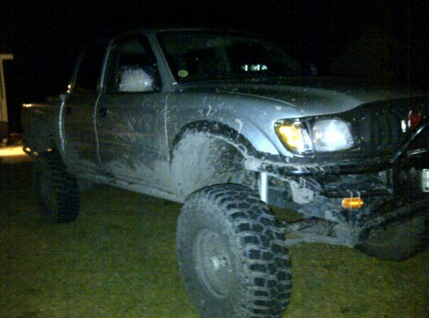had a lil fun in the mud-259924_10150243205045827_813585826_7285900_75238_n.jpg