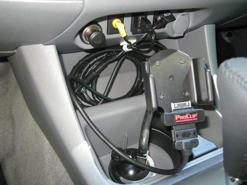 Add USB Port to Dash-3-29-2009-070.jpg