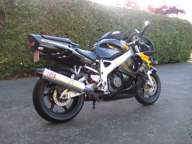 My new Fireblade-37421_10150198682820391_2958883_n.jpg