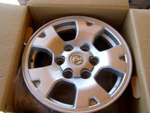 "TRD Off-Road Alloy Wheels - 2'nd Gen - 16"" - 0-3o03p43l25o65p45s3a7237fdb66cead51a13.jpg"