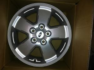 "2012 16"" Escape Wheels Less than 1,000 Middle  TN-5f95p25r53n03k13f8bch169ba74b5a121305.jpg"