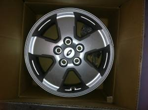"2012 16"" Escape Wheels Less than 1,000 Middle  TN-5t35fe5r53nf3f83l6bcha819b4ecf7931de8.jpg"