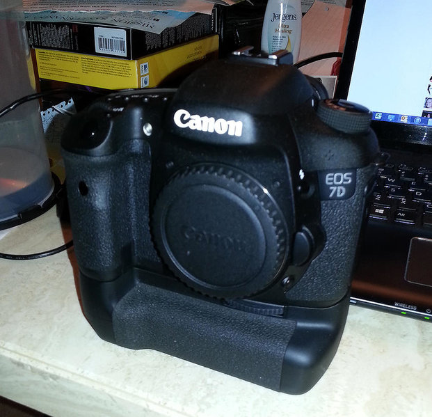 New In Box - Canon 7D with BG-E7 Battery Grip-7d-sale.jpg