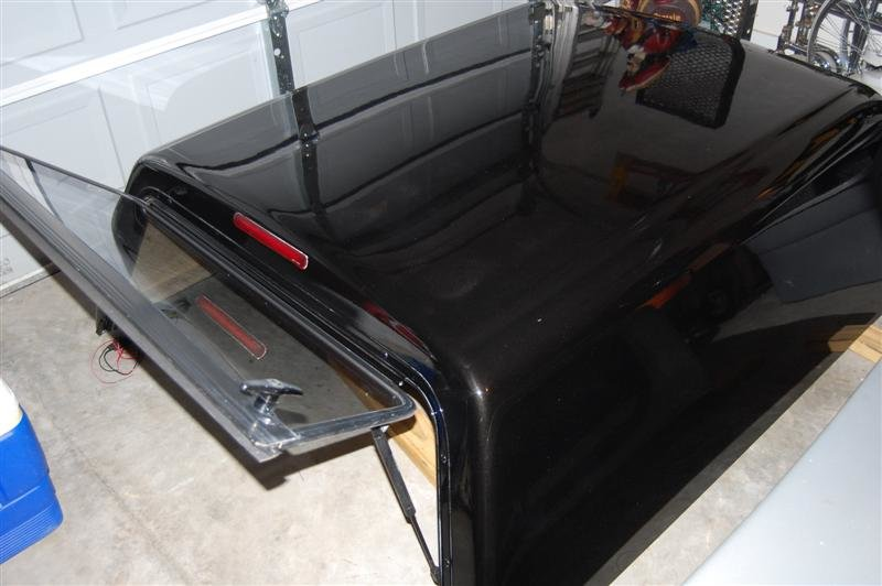 Black 1st Gen Camper Shell-apr-2011-068-medium-.jpg