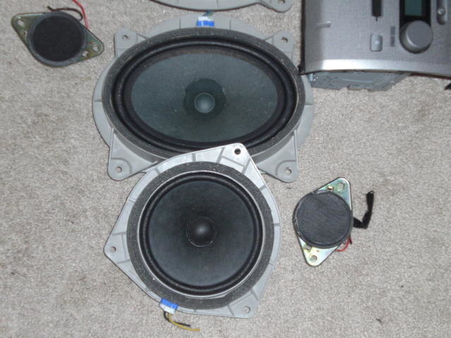FS: Feeler..Factory 6 disk and speakers-cimg0801.jpg