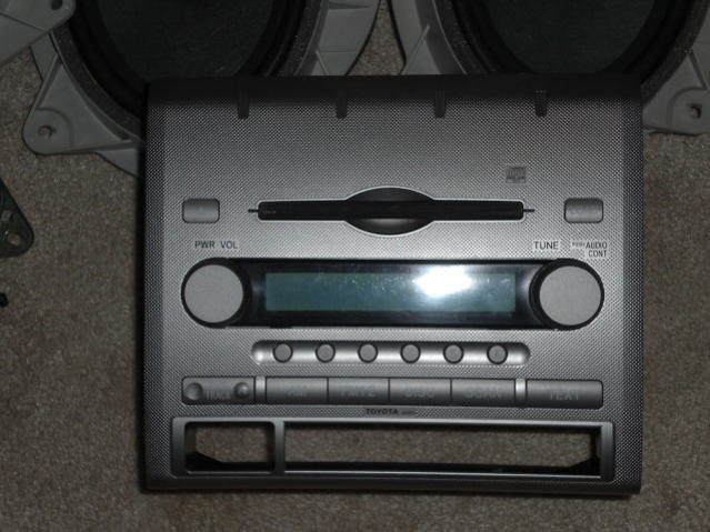 FS: Feeler..Factory 6 disk and speakers-cimg0802.jpg