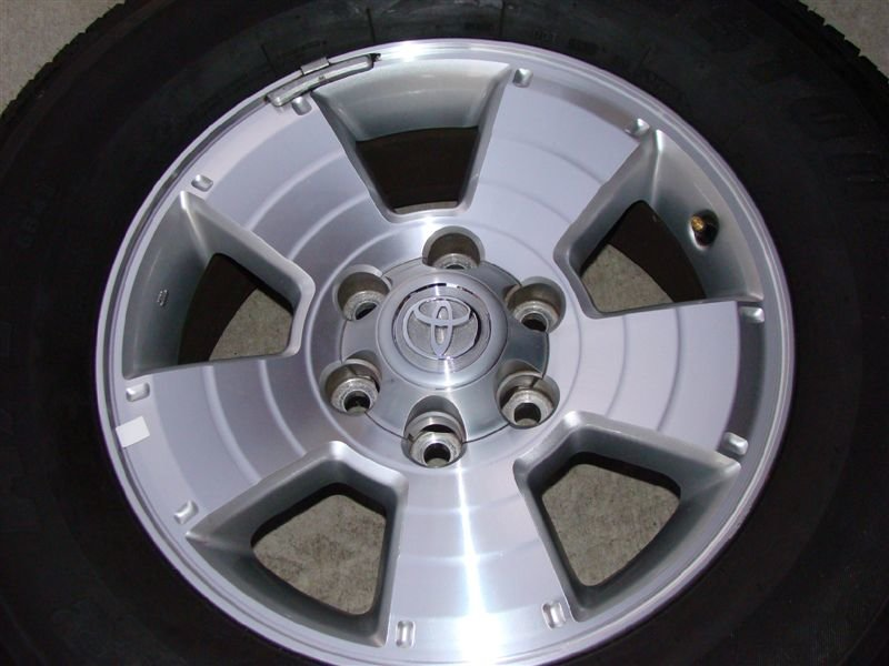 17' Oem Wheels With Bridgestone Tires-dsc01064.jpg