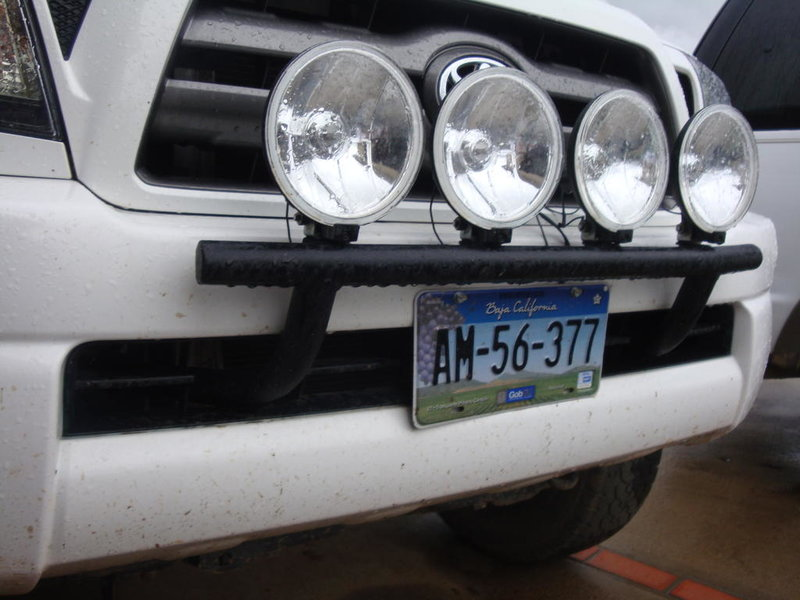 powder coated light bar with 4 hellas-dsc01915.jpg