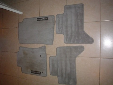 Grey Tacoma Double Cab Carpet Mats-dsc02348-2.jpg