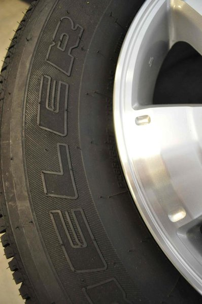 FS: Set of 4 Bridgestone Dueler H/T Tires and Toyota Tacoma TRD Sport Rims-dsc_0614_2.jpg