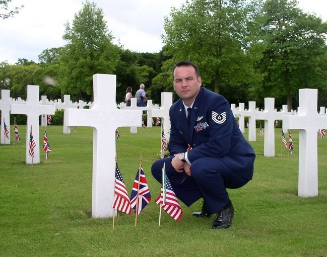 VETS, show a pic while in the Service..and show some Pride-grave.jpg