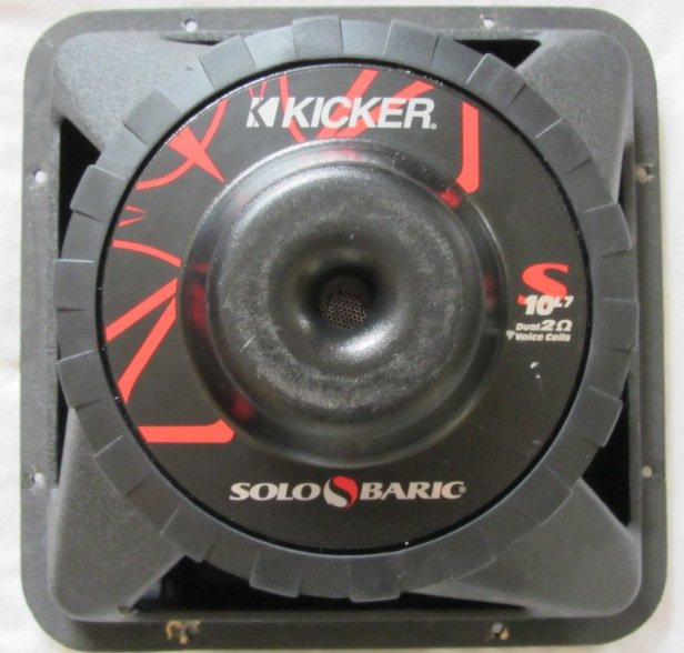 "Kicker L7 10"" Sub w/sealed box + single din tacoma stereo trim-img_0002.jpg"