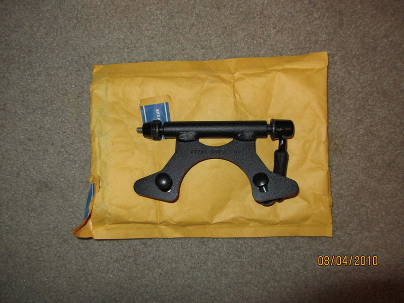 FS 2010 Tacoma mat, tailgate lock, bicycle attachment-img_0095.jpg