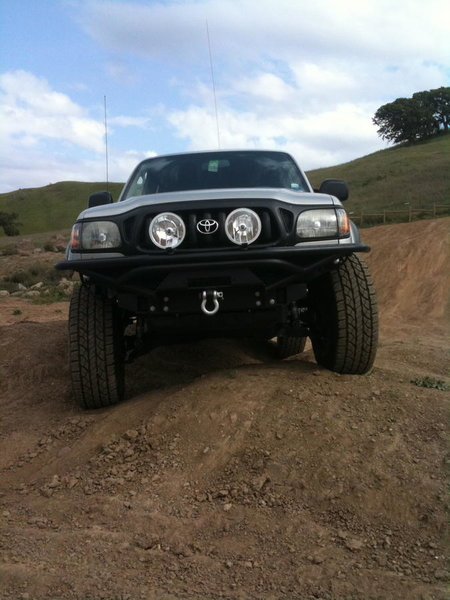 WTT: Trail Gear front bumper for stock 01-04 bumper-img_0200.jpg