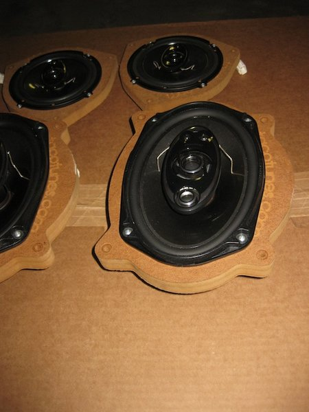 "For sale Pioneer speakers 6x9 and 6.5"" with adapters-img_0342.jpg"