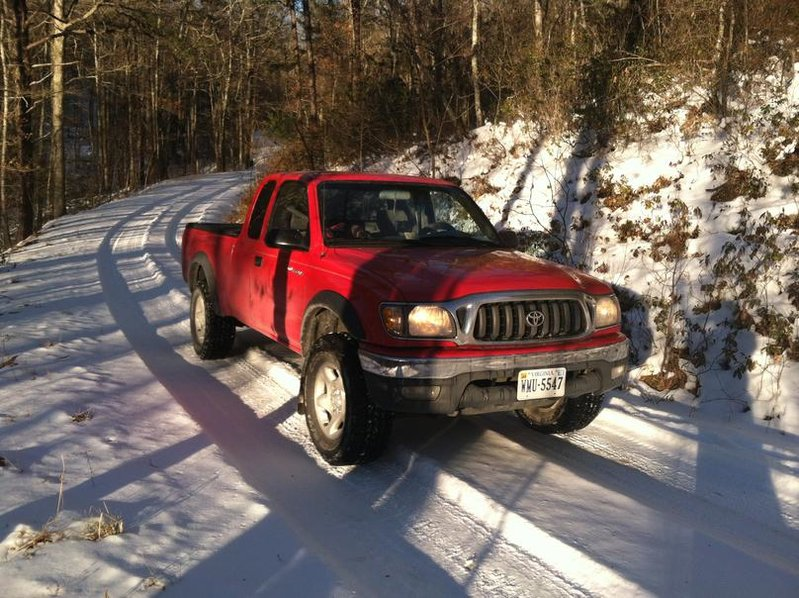 How does your Tacoma perform in snow?-img_0573.jpg