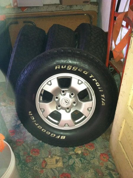 Like New BFGoodrich 265/70R16 with alloy wheels-img_0867.jpg