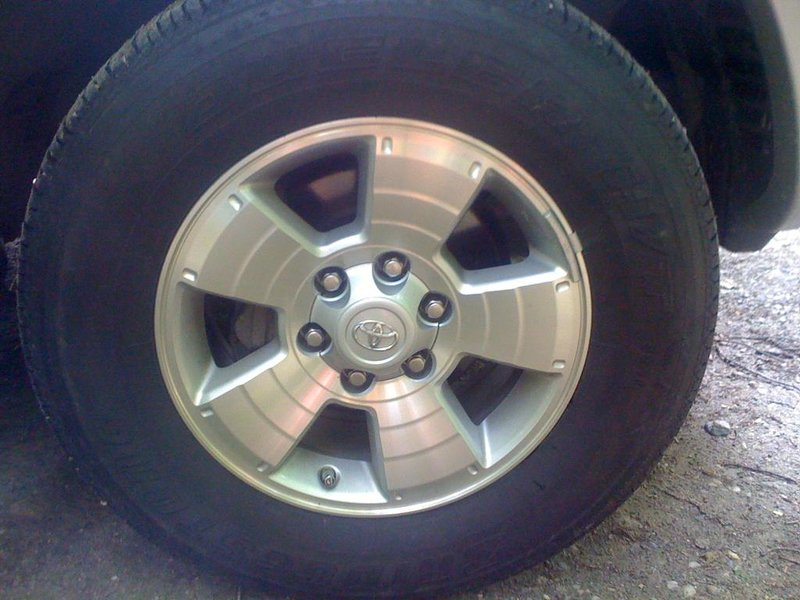 FS 2010 TRD Sport 17in Rims and Tires Lightly used-img_1137.jpg