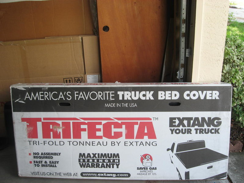 New in box extang trifecta bed cover 2005-2009 toyota tacoma 6 ft bed-img_1536.jpg