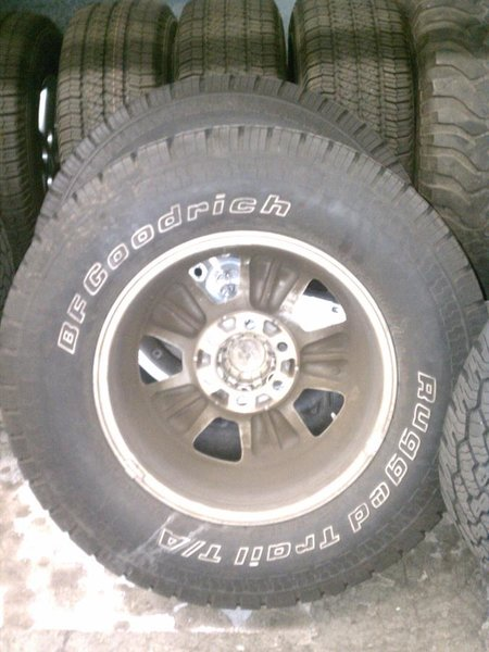 FS: stock sport wheel/bfg RT tires with sensors/lugs-img_20110426_072858.jpg