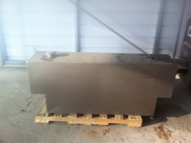 Fs:  Fuel Transfer tank for pickup truck-img_2208.jpg