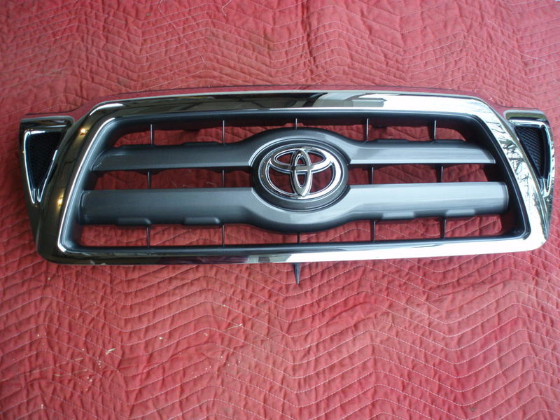 FS: 2010 Chrome Grill Surround-manual-001.jpg