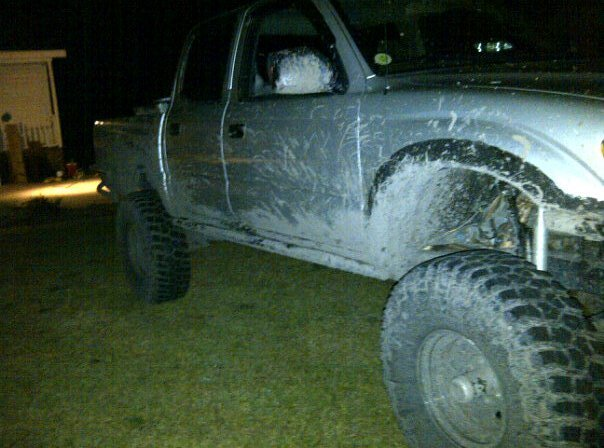 had a lil fun in the mud-muddin-w-charles.jpg