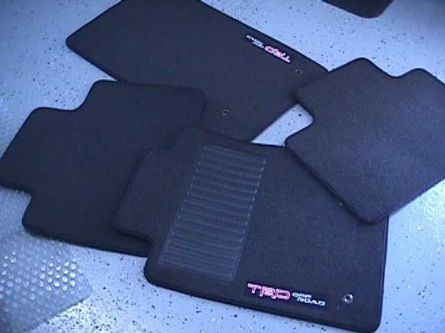 fs TRD set of mats for xrunner with embroidered TRD emblem NEW-mvc-011s.jpg