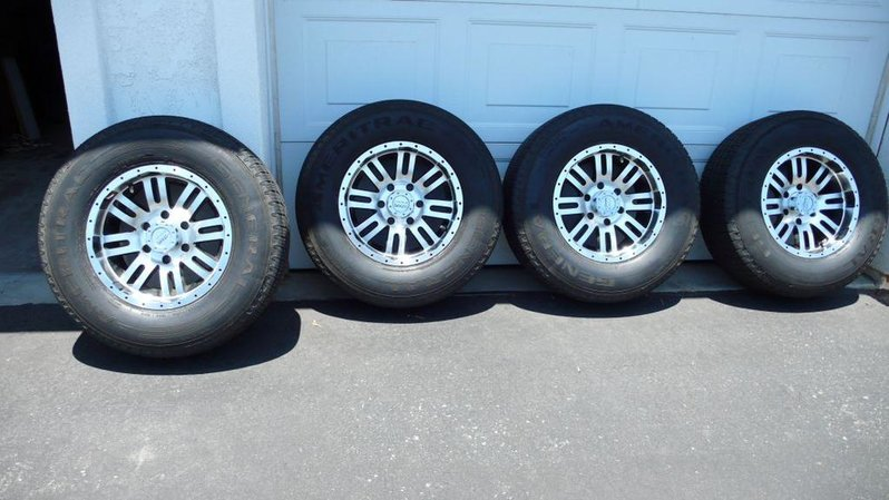 "Set of 16X8.5"" 6 Lug Alloys W. 255/70/16 Tires. Tires 80-85%, Wheels Ex. Cond. 0-photo-3.jpg"