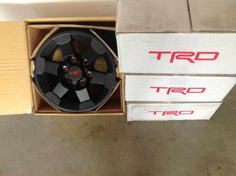 TRD Black FJ Wheels - 6 Lug, 16x7.5 size alt=,200 obo Southern California-photo.jpg