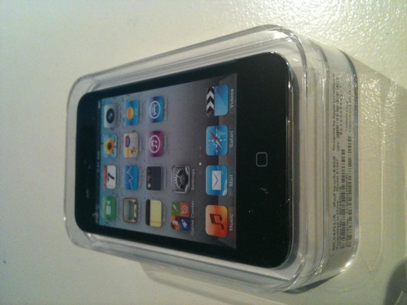 Brand New iPod Touch 64gb 4th Gen-photo.jpg