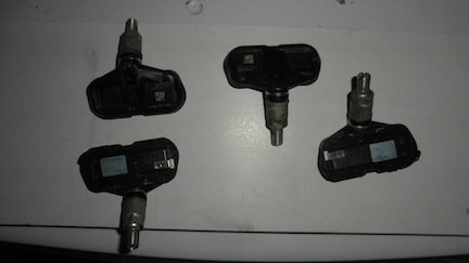 For Sale: 4- 06' tacoma TPMS tire senors-sam_0065.jpg