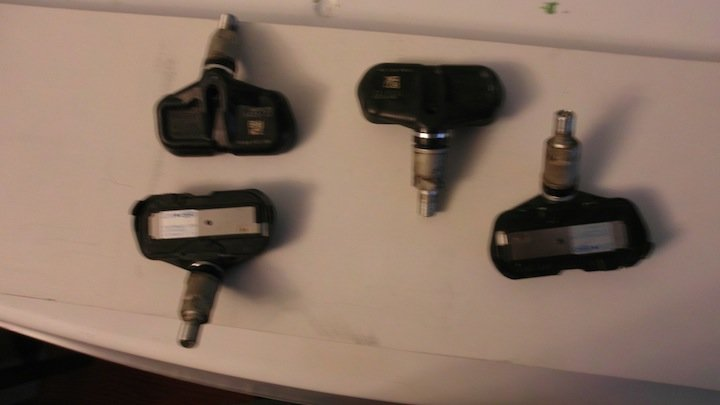 For Sale: 4- 06' tacoma TPMS tire senors-sam_0067.jpg