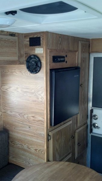 Six Pac Mini Cabover Camper - Fits First/Second Gen Tacoma.-sixpac4.jpg