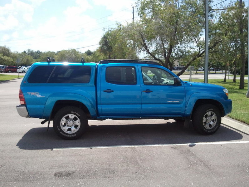 2007 Tacoma Leer Topper For Double Cab 5 ft bed-taco1.jpg