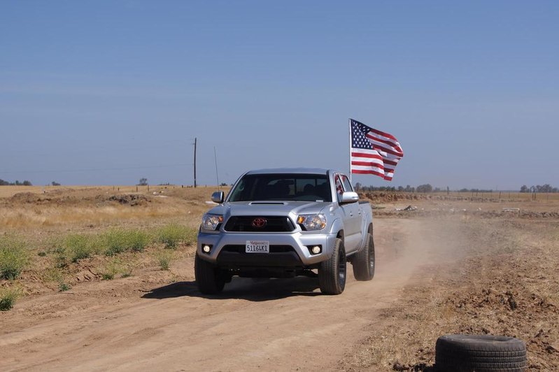 how do you securely mount a flag pole to the bed of your truck?-tacoma-usa-flag.jpg
