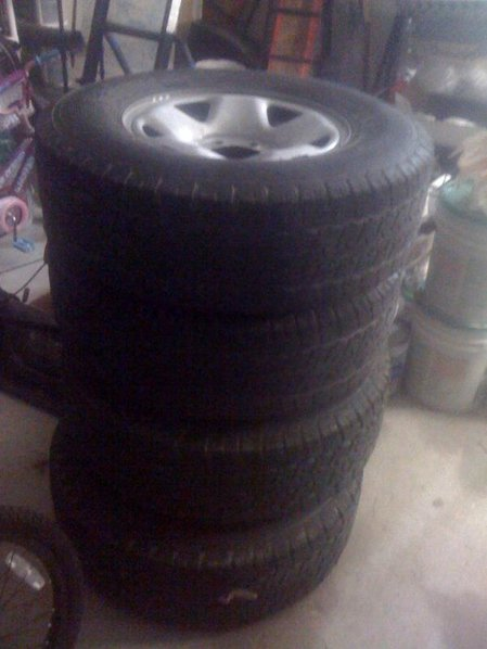 Stock 05 steel wheels with tires-tire2.jpg