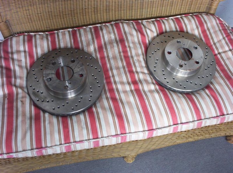07 xrunner-toyota-tacoma-rotors-drilled-sloted-1.jpg