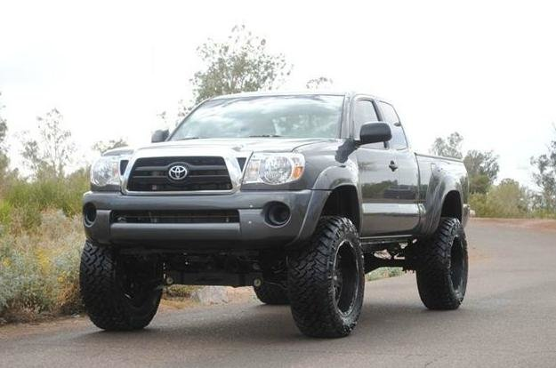 "2010 2.7 Taco with 6"" lift and 35"" tires-untitled.jpg"