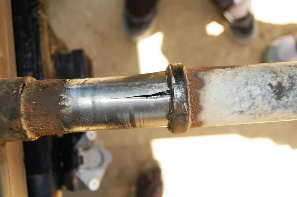 2013 03 13 222332 2013 03 13 182041 besides 04726 further  on reg cab rear driveshaft flip tacoma world 2009 toyota drive shaft parts diagram
