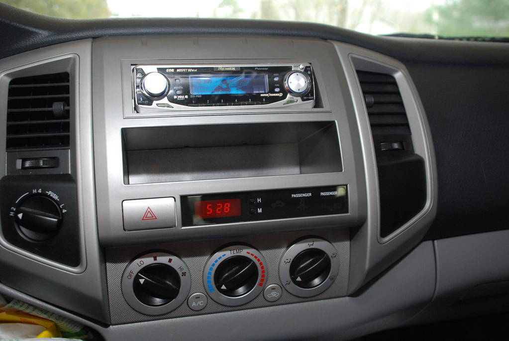gm stereo wiring diagrams images wiring diagram jeep stereo wiring besides yamaha moto 4 wiring diagram on wiring harness for 18